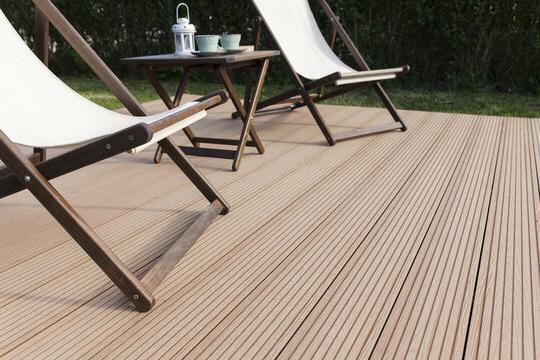garden decking - Carpenter & Joiner in Bedford